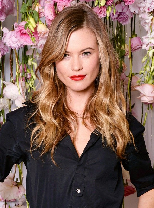 Flattering Haircuts For Round Faces Pinterest Haircut Styles