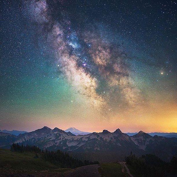 Follow @EarthOfficial for more amazing travel & nature photos! @EarthOfficial  Tatoosh Range, Washington By Michael Shainblum @shainblumphotography