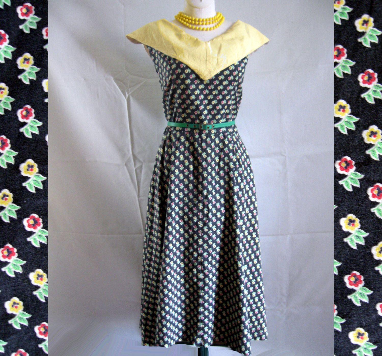 Vintage 40s Dress Full Skirt Cotton Flower Print Big Collar 38 Bust by LilBlackDressVintage on Etsy