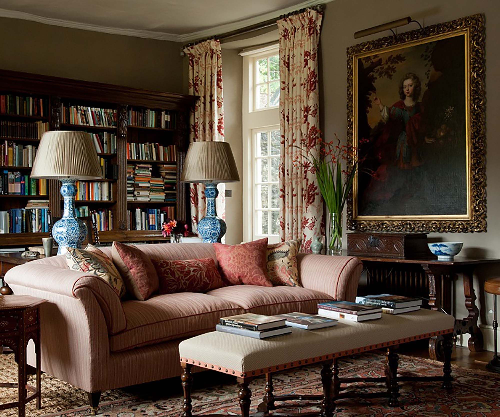 Traditional English Living Room Mix Antiques From Different Eras Comfortable Guy Goodfellow Design Great Wall Color