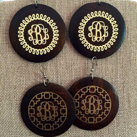 Monogrammed Wooden Earrings Monogrammed Earrings By Daisydodesigns Monogram Earrings Wooden Earrings Monogram