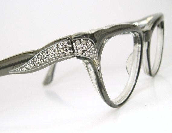 d2cbf1c8aa looks like vintage 50's or 60's with side rhinestones...great colour Cool  Glasses