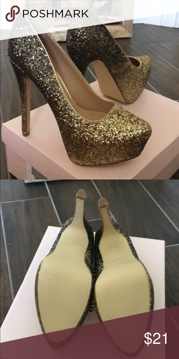 4eed2d355327 Glitter pumps Just fab glitter pumps never used! JustFab Shoes Heels