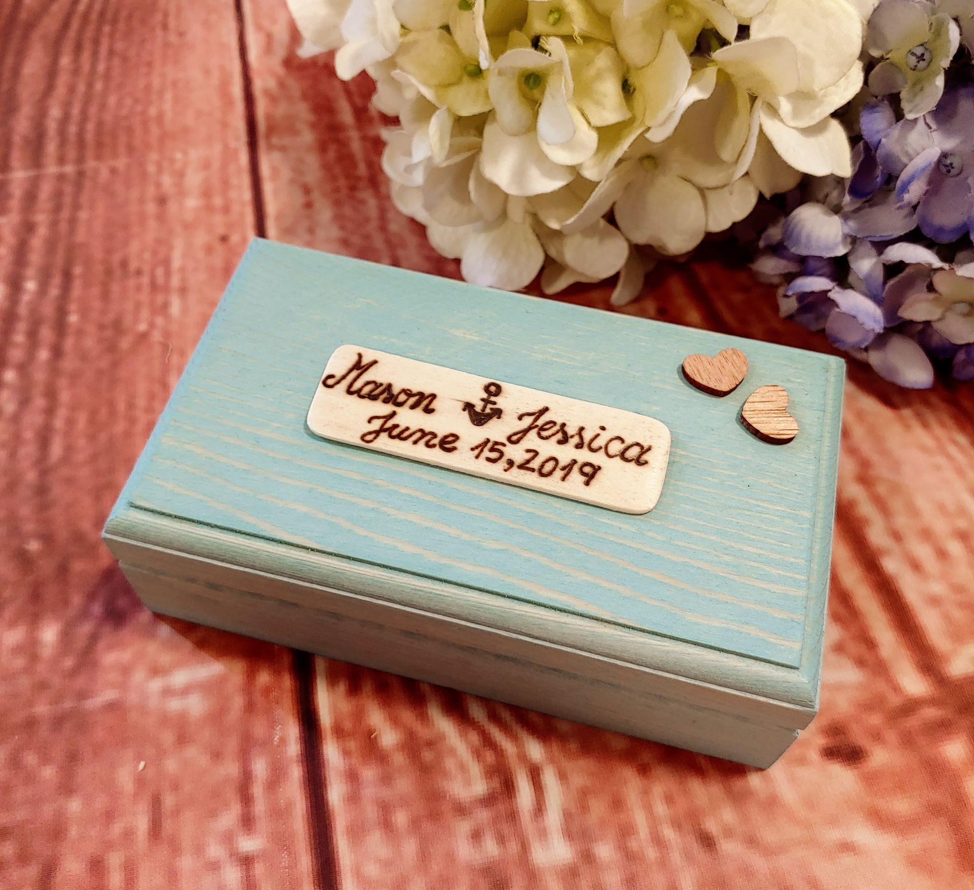 Beach wedding ring box. rusticstyles beachcollection