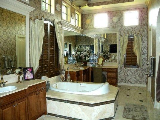 Luxurious Bathroom 2014