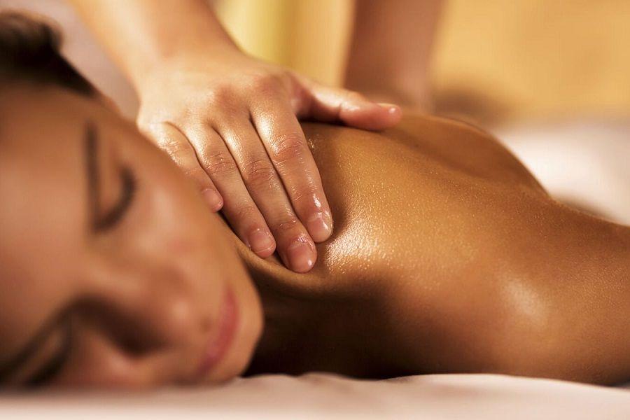Смотреть онлайн женский массаж