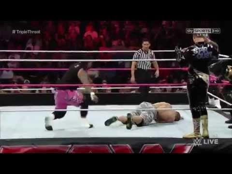 Dean Ambrose & John Cena vs The Usos vs Gold & Stardust (Triple Threat T...