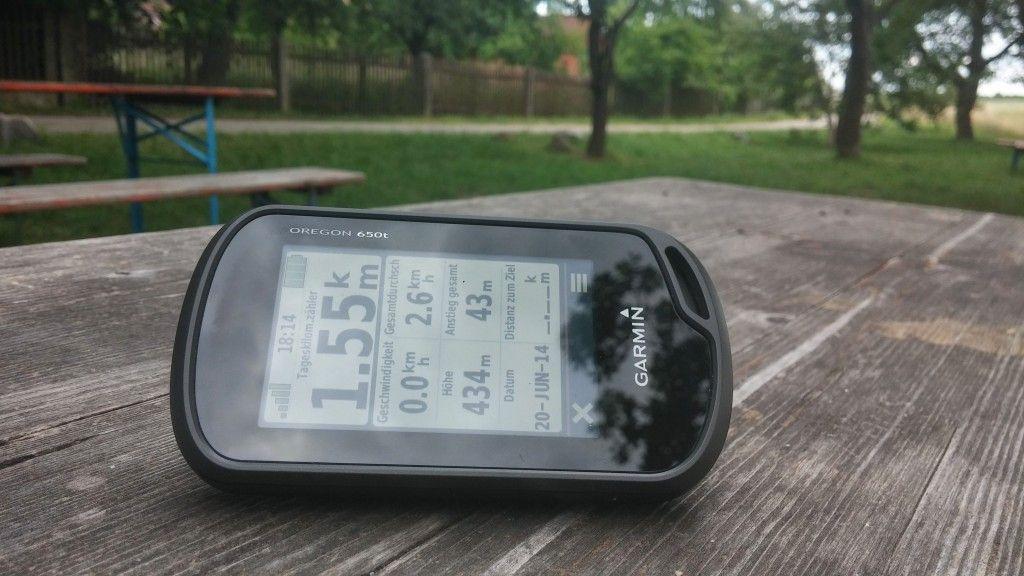 FIRST LOOK: GARMIN OREGON 650T – GPS UND OUTDOORNAVI  Seit der letzten Woche besitze ich ein Oregon 650t von Garmin. Heute werfe ich einen ersten Blick auf das GPS-Gerät. Außerdem will ich euch noch mal auf das Garmin Giveaway Gewinnspiel samt T-Shirt- und Geocoinverlosung hinweisen.