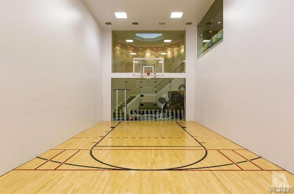 Indoor racquetball basketball court homeentertainment for Indoor half court basketball cost