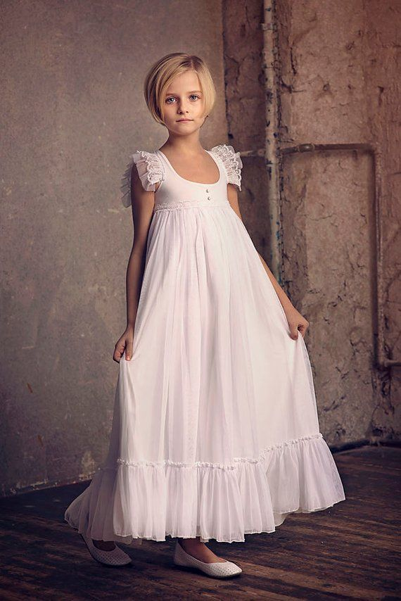 5987d29dc9825 Erste Kommunion Kleid Blumenmädchen weiß Chiffon Kleid Boho-Chic  Mädchenkleid, Chiffon Kleid Mädchen, Boho Blumenmädchenkleid, böhmische  Hochzeit Dies ist ...