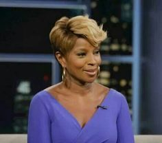 Mary J Blige Curled Short Hair Long Pixie