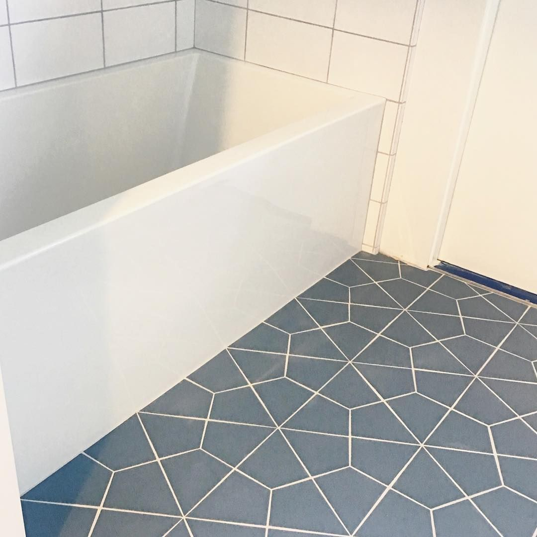 46 6k Followers 525 Following 306 Posts See Instagram Photos And Videos From Jana Bek Janabekdesign Fireclay Tile Tile Bathroom Mudroom Design