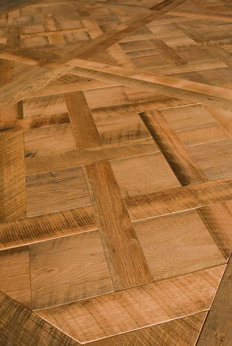 Distressed Oak - Versailles pattern