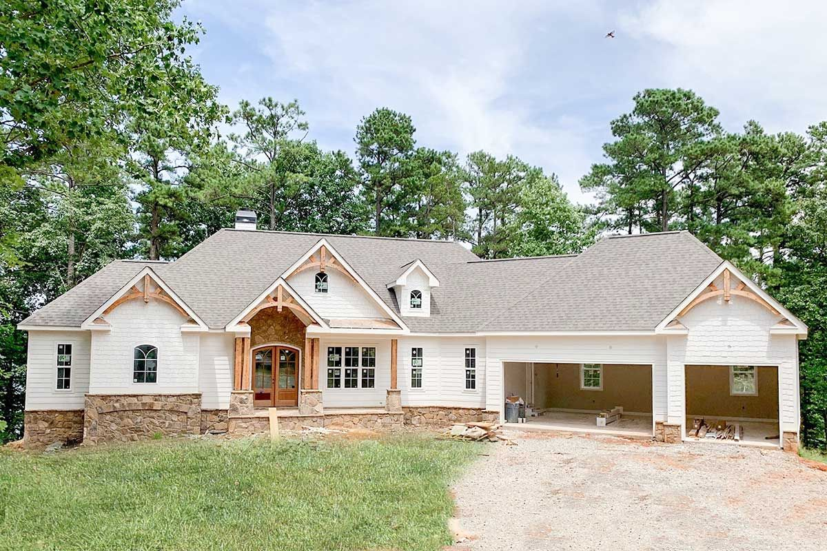 Plan 24392tw One Story Country Craftsman House Plan With Screened Porch In 2021 Basement House Plans Craftsman House Plan Craftsman House