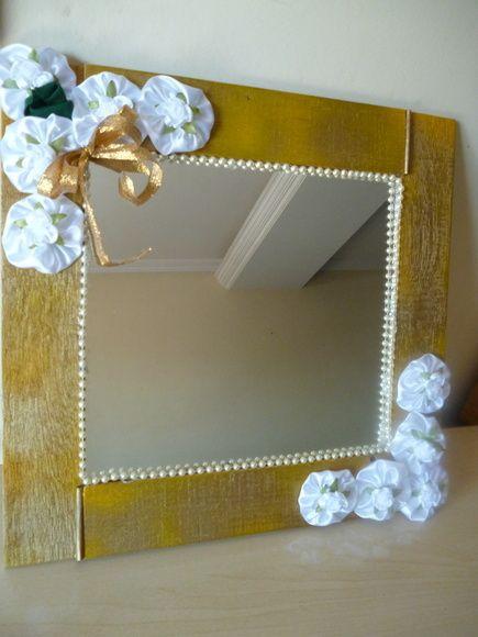 4ffae1701 Espelho decorado fuxicos e pérolas | artesanato | Espelhos ...