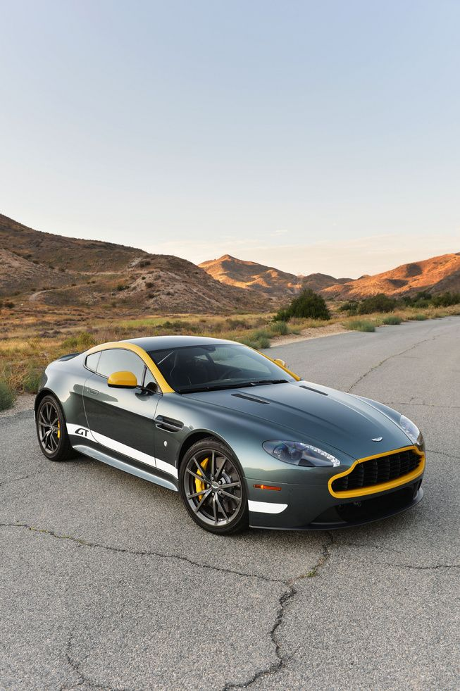 Photo Picture 25 First Drive 2015 Aston Martin Vantage Gt
