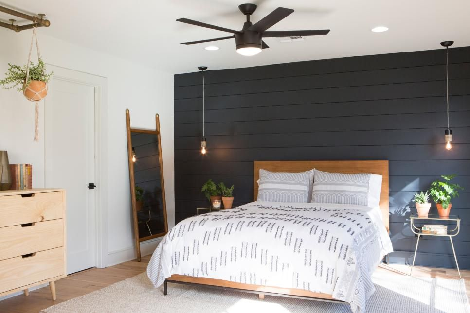 Pin By Patricia Coombs On Beautiful Homes Black Walls Bedroom Fixer Upper Bedrooms Feature Wall Bedroom