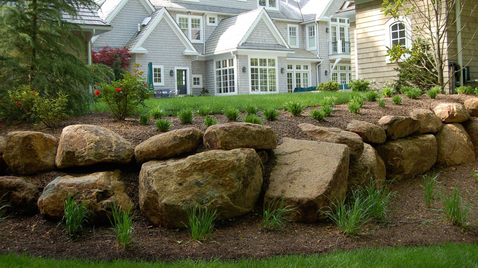 Terrific Boulders And Walls Gordon Eadie Landscape Design Main Home Interior And Landscaping Palasignezvosmurscom