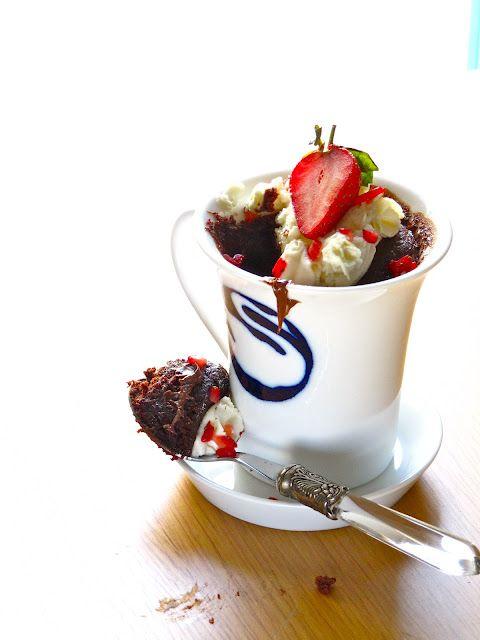 Nutella Lava Mug Cake   Mug cake, Nutella, Nutella recipes