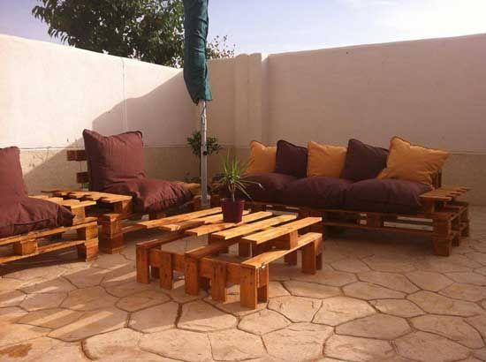 Muebles de jard n creados con pales palets madera palet - Palets decoracion jardin ...