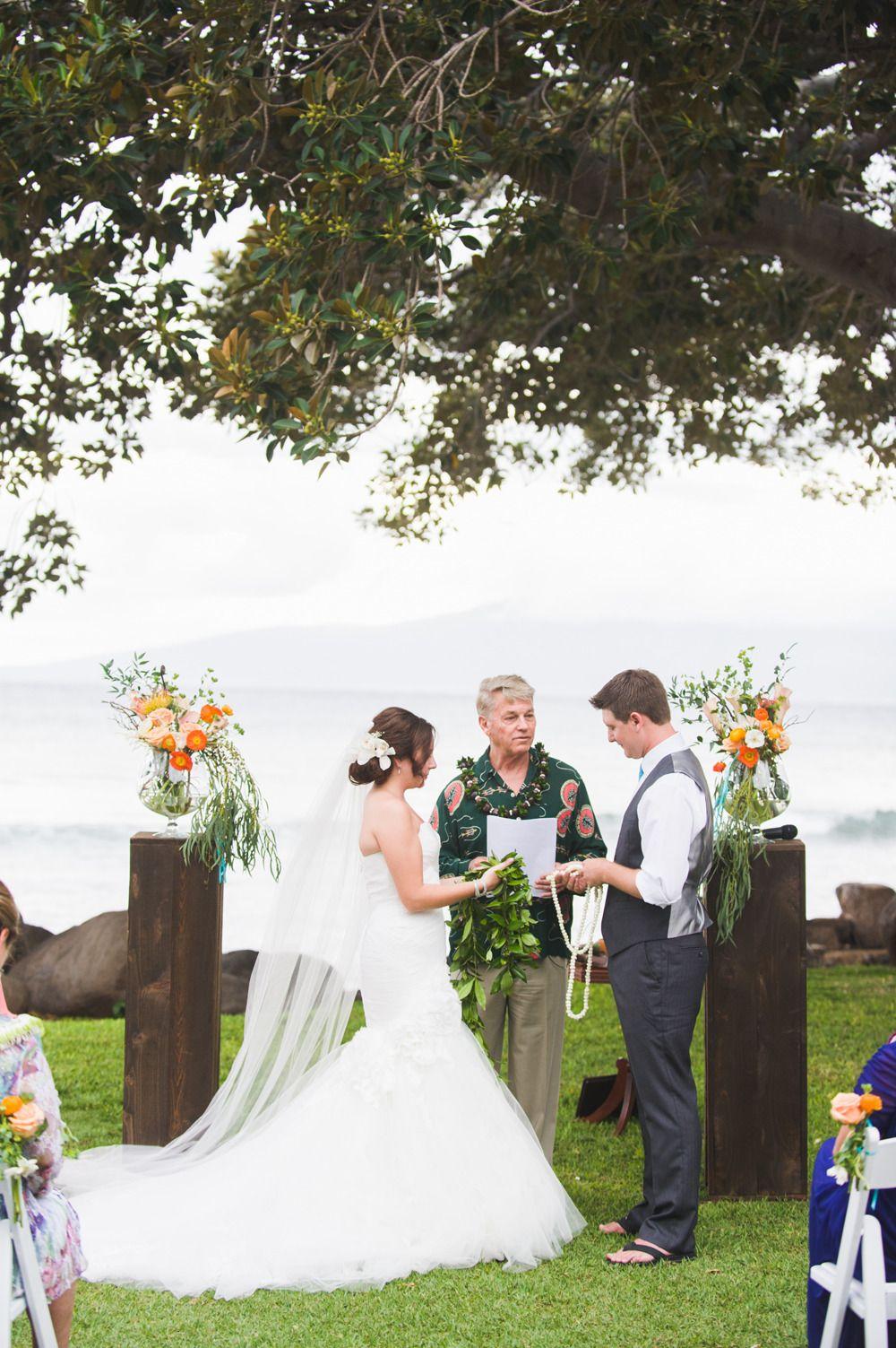 Photography: Candice Benjamin Photography - candicebenjamin.com  Read More: http://www.stylemepretty.com/little-black-book-blog/2015/01/28/colorful-spring-maui-wedding/