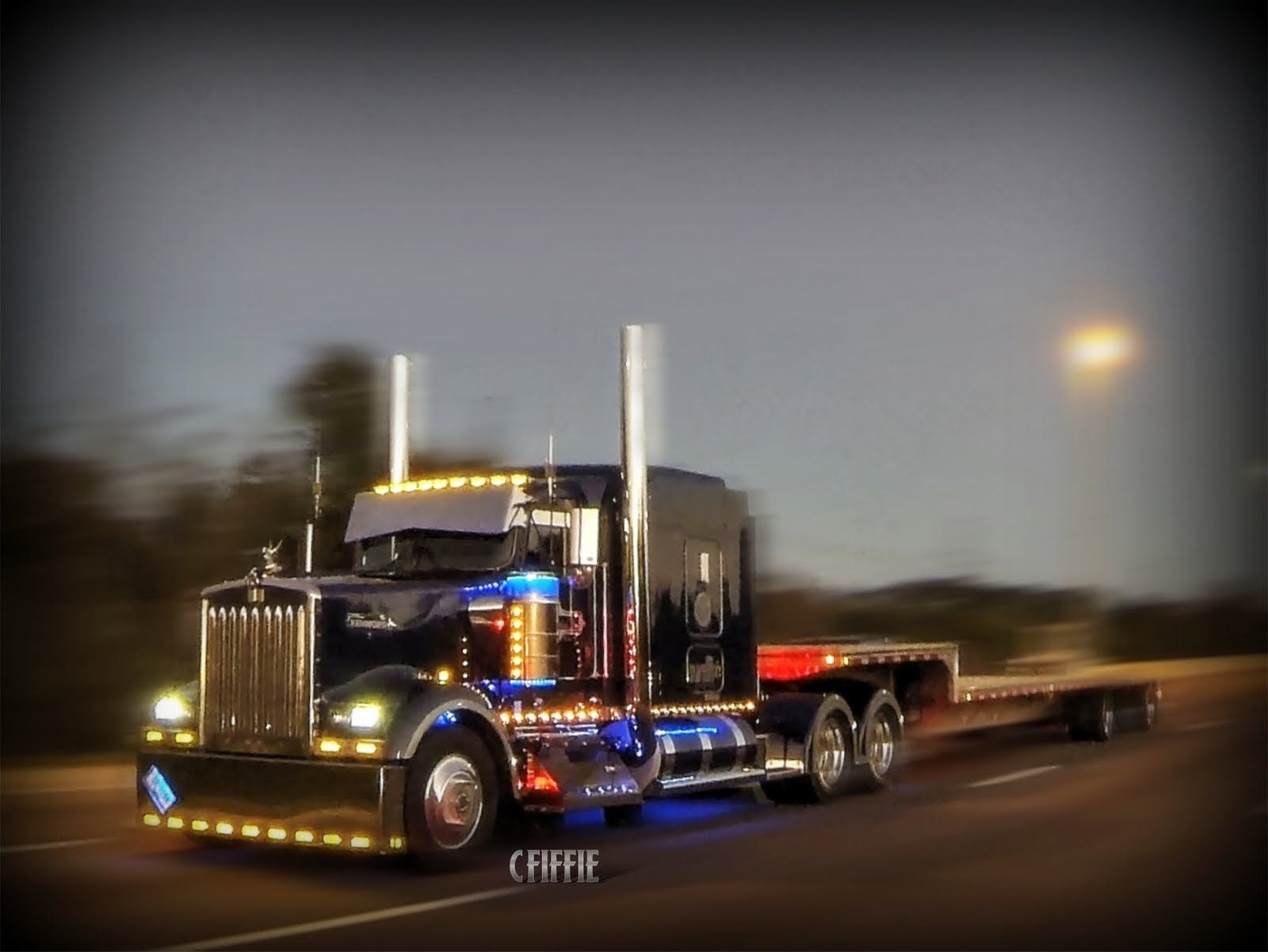 Rolling CB Interview™ 2003 Kenworth W900L (With images