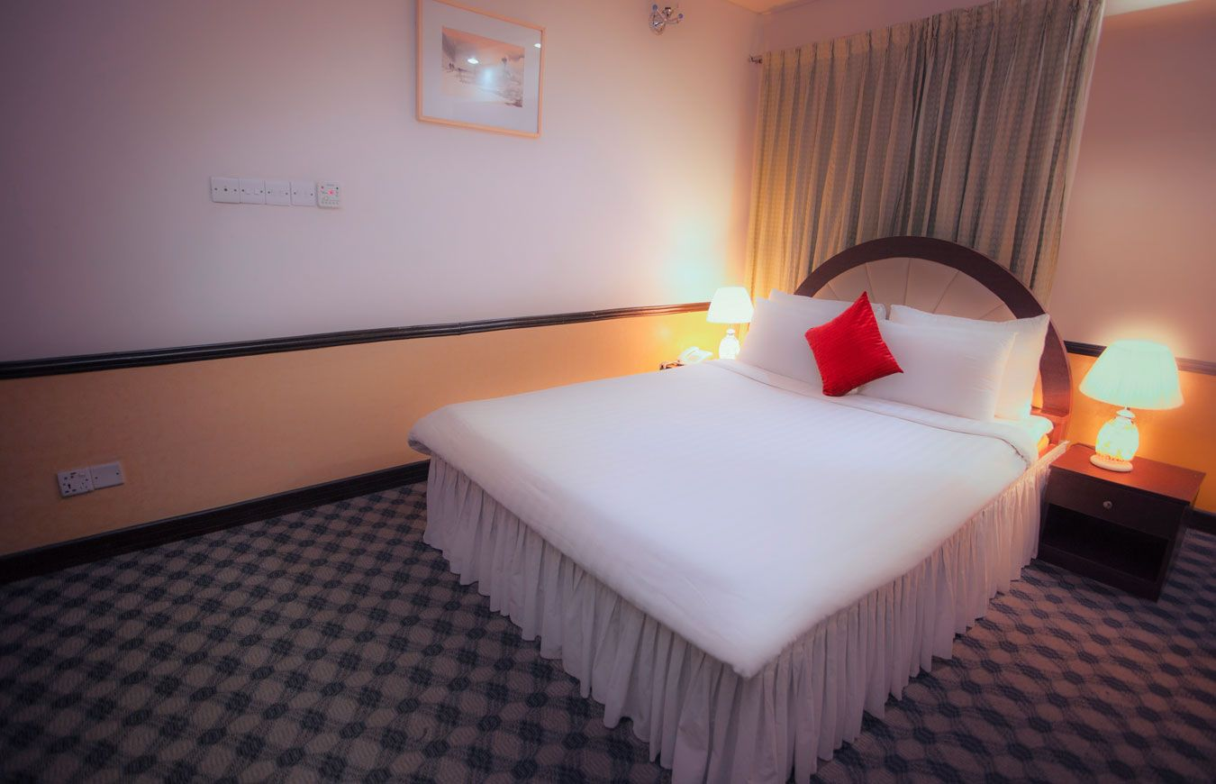 Perfectly Safe Hotel For Couples In Dhaka Luxury Pillows Hotel Room