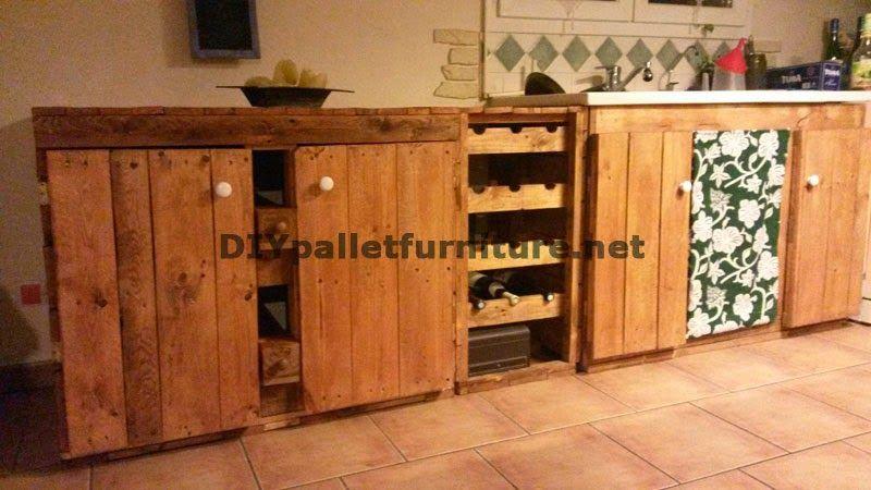 Muebles de palets: Cocina completamente amueblada con palets ...
