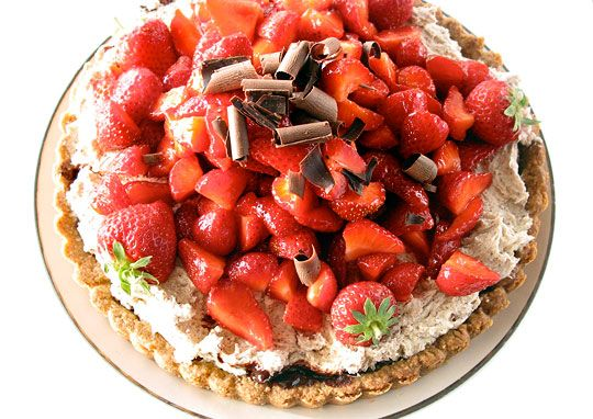 Recipe Review: Strawberry Tart with Rich Mascarpone Cream, Dark Chocolate Bits, and a Toasted Oatmeal Shortbread Crust (Plus Ganache)