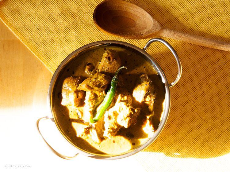 Green Chilli Chicken Curry/ Pacha Mulaku Aracha Kozhi ...