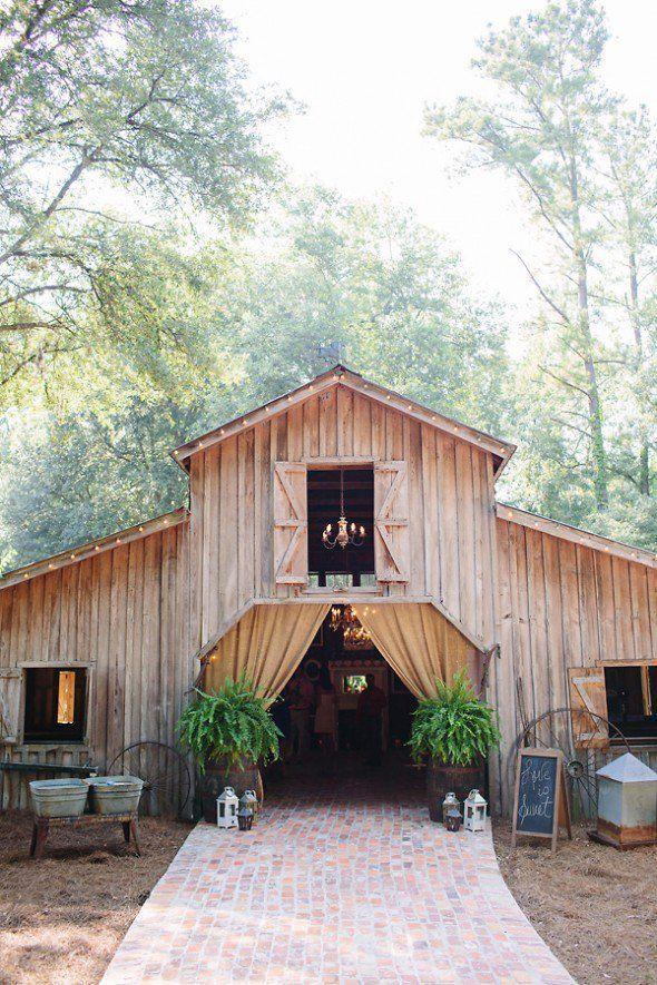Barn Weddings From 2014 Southern Barn Wedding idea  /MadamPaloozaSouthern Barn Wedding idea  /MadamPalooza