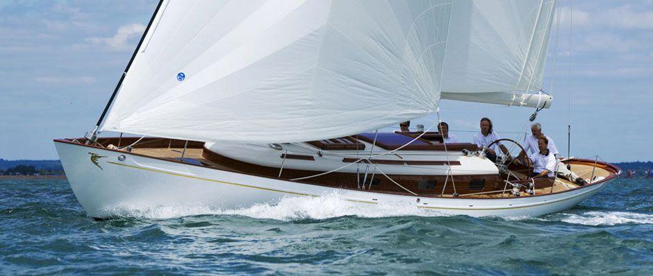 Segelyacht modern  Classic yachts for sale uk, Modern classic yachts   Sailing Yacht ...