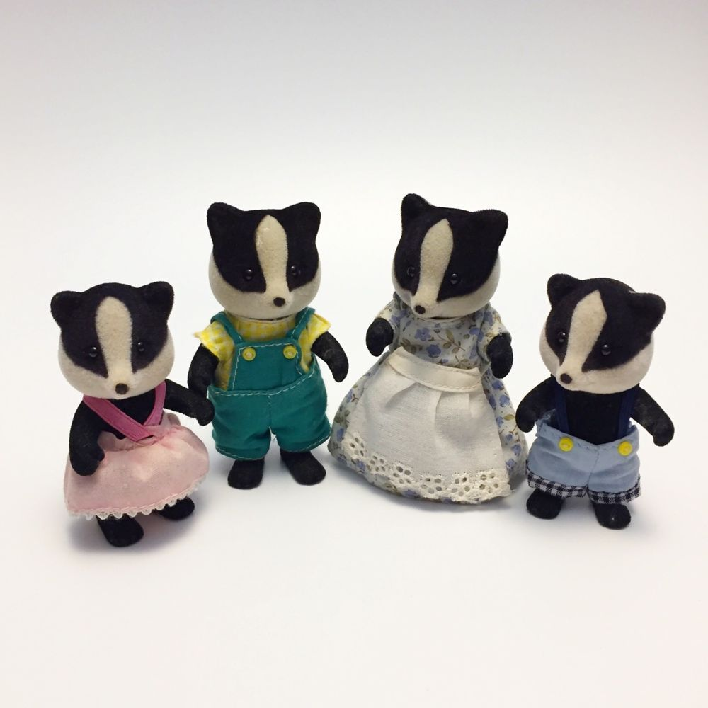 Sylvanian Families Flair The Underwood Badger Family Figures ...