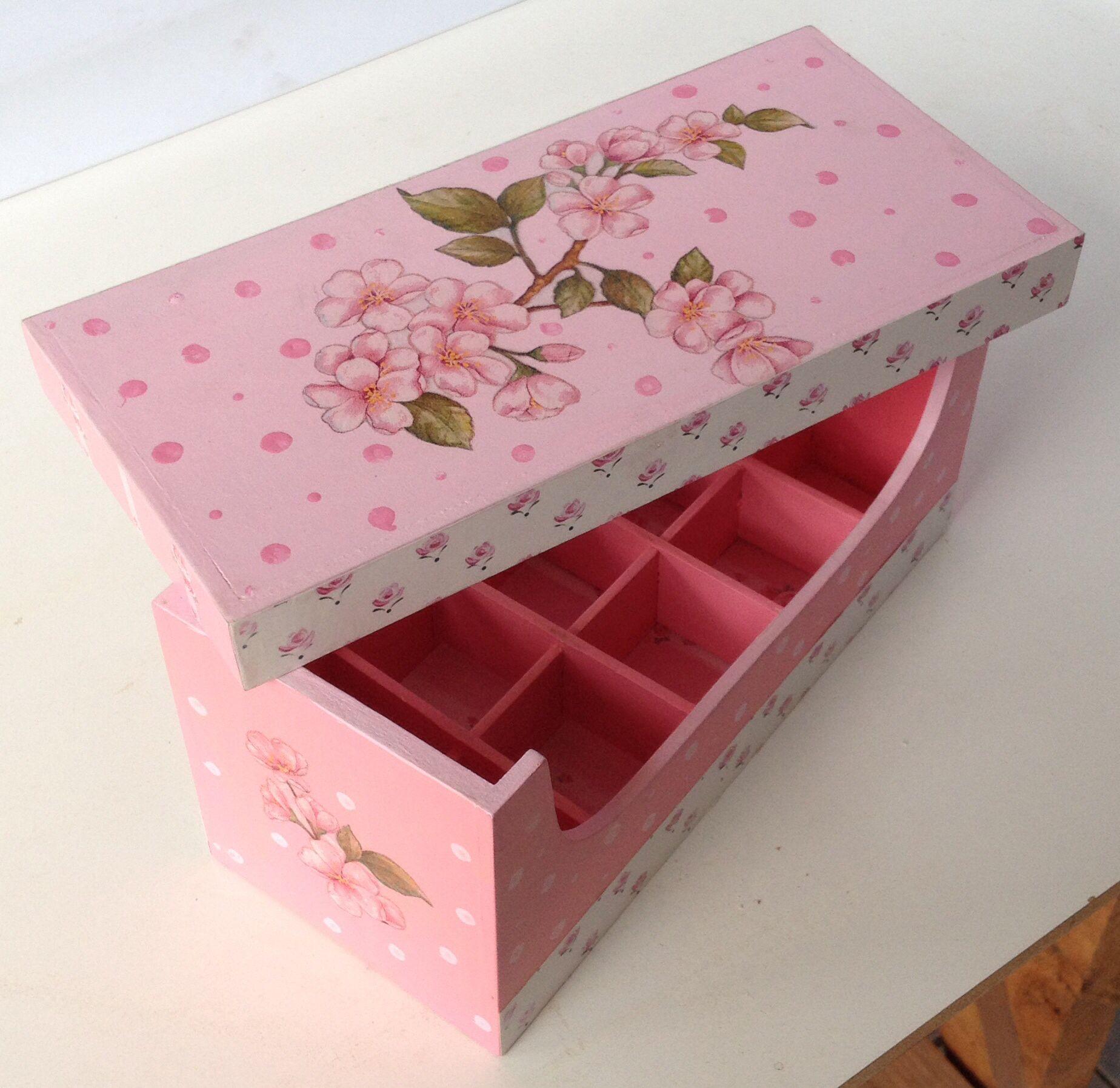 Caja en decoupage para guardar los esmaltes de u as - Esmalte para madera ...