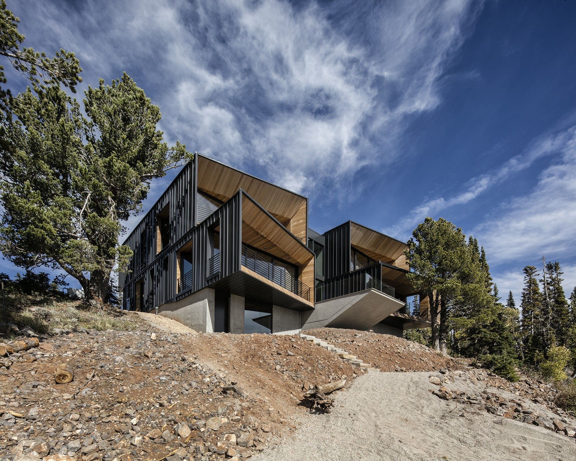 The Kinii The Falcon S Nest By The Italian Architects Of Obicua