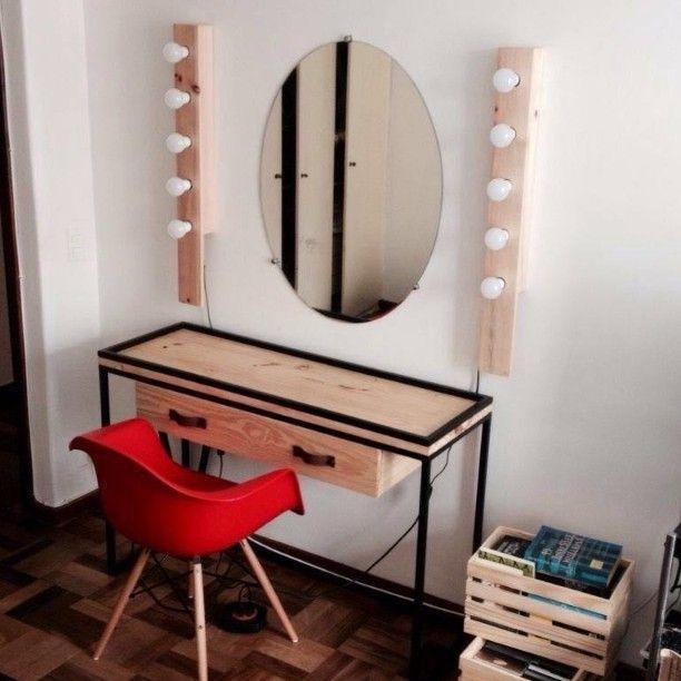 Bancada Suomi acompanhada dos bastões de luz Camarim. #bancada #suomi #nórdico #design #madeira #metal #couro #wood #woodwork #decorcasa #decor #decora #decoração #furniture #scandinaviandesign #braziliandesign #furnituredesign #designbrasileiro #designmobiliario #eco #arquitetura #curitiba #pinus #architecture #luz #iluminação #camarim de ecoestudio