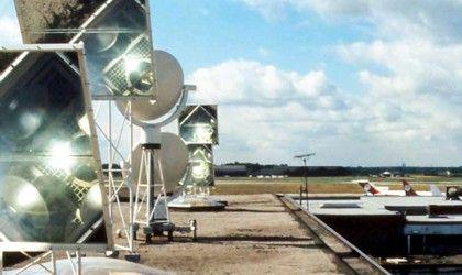 Project: Luchthaven Manchester, Groot-Brittannië. Daglichttechniek: Heliostat daglichtreflecterende spiegels.