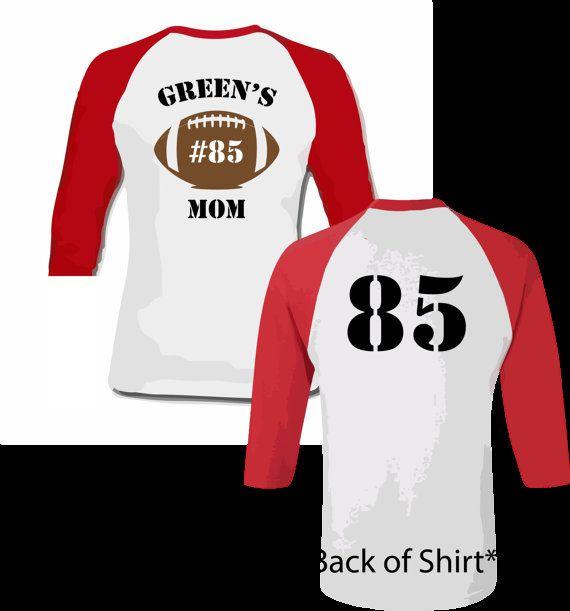 034db8a8ac2e9 Camiseta de fútbol personalizada mamá. Frente por PinkPigPrinting ...