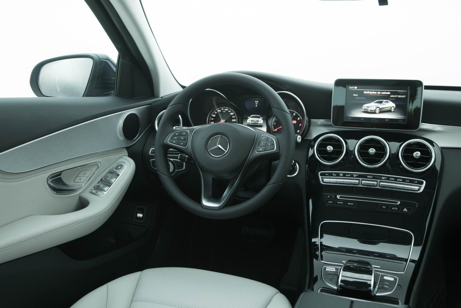 Mercedes Benz C180 Avantgarde   Interior