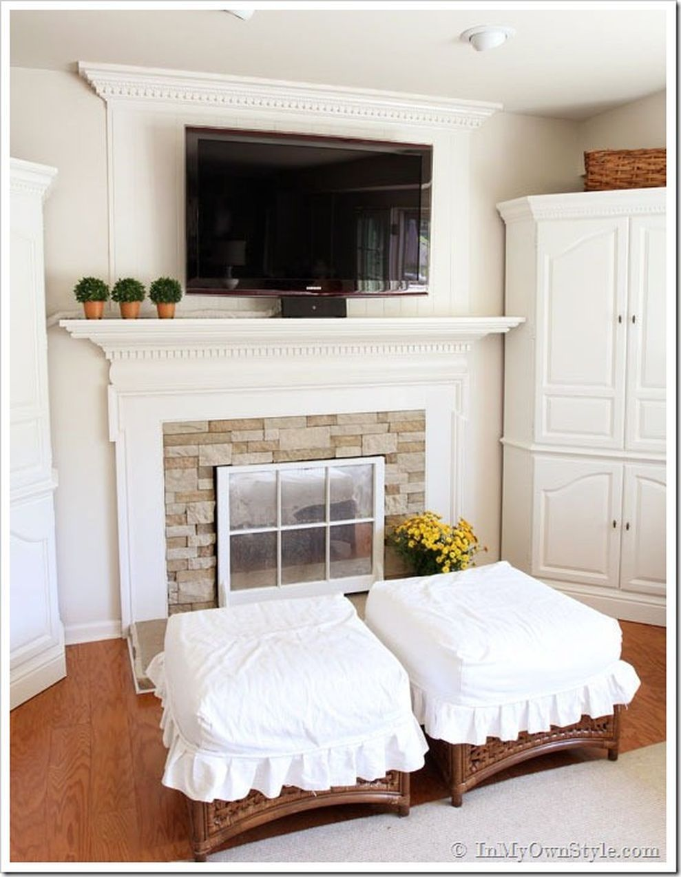 71 Creative Ideas Hiding A TV In The Living Room | Mounted tv ...