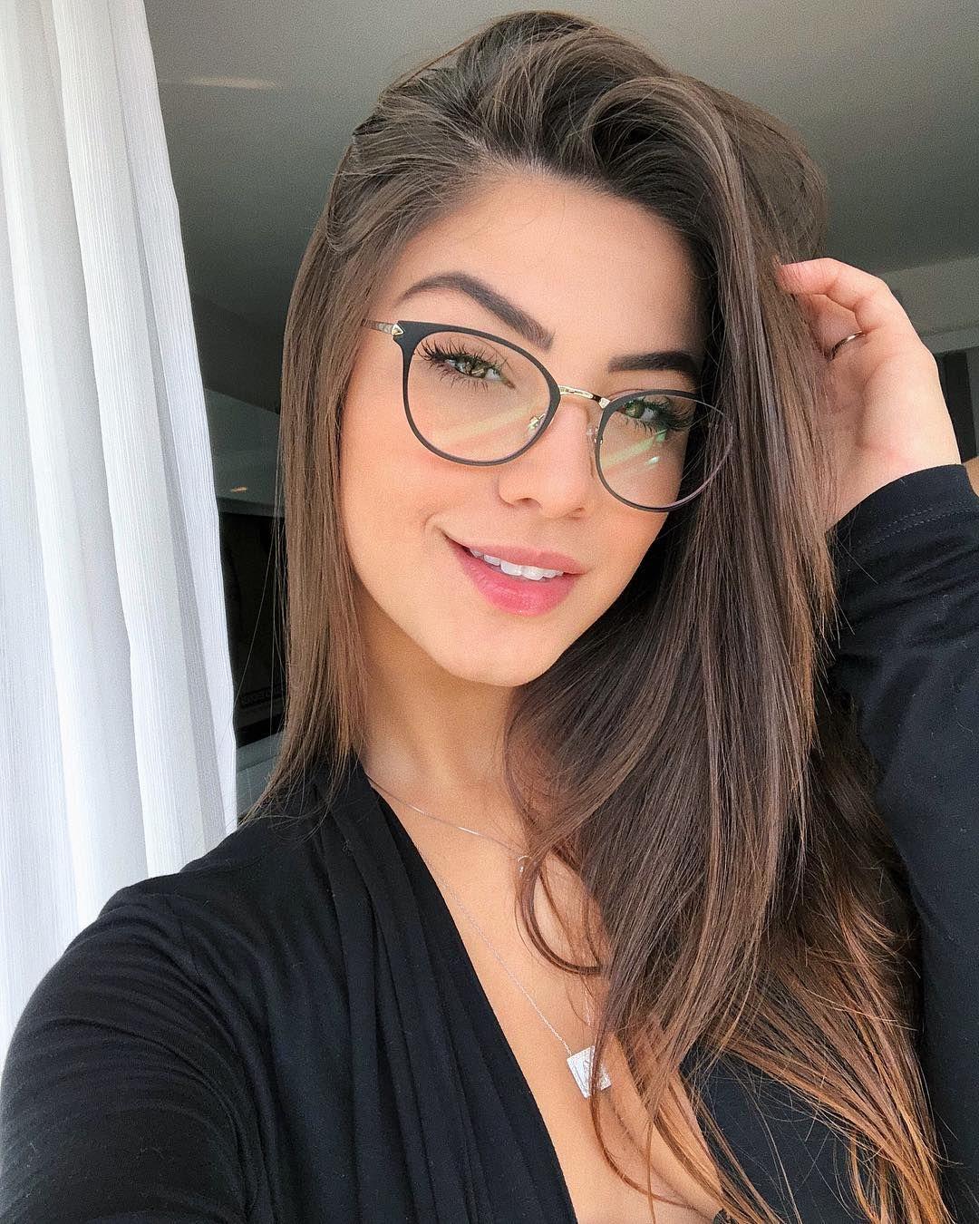 La Imagen Puede Contener 1 Persona Gafas Y Primer Plano Oculos