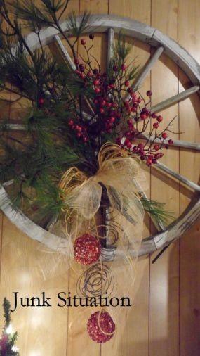 Wagon wheel wreath western christmas pinterest - Wagenrad dekorieren ...