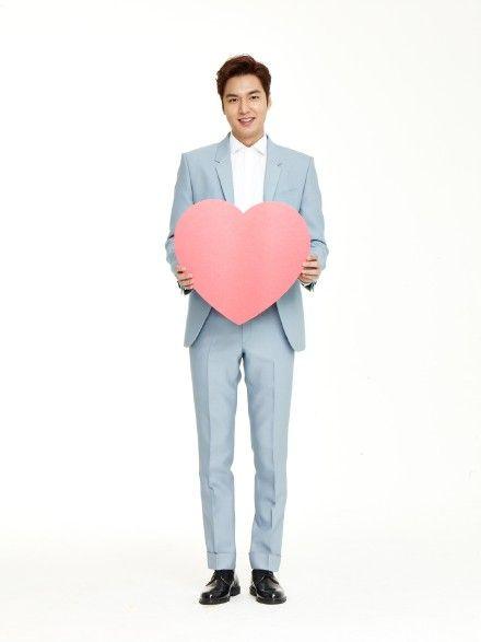@李敏鎬 已經在#明星勢力榜#韓國榜上為你加油啦,你是我今生唯一的執著哦。棒棒噠!http://t.cn/RvlU7oX [害羞][害羞][害羞]嫁給我吧#李敏鎬出道十一周年##always李敏鎬# 