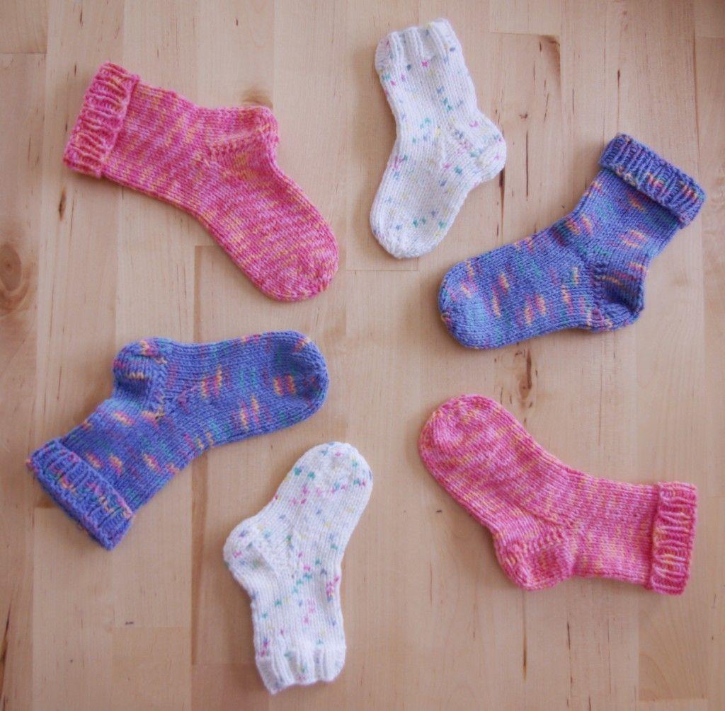 Neugeborene Erstlings-S/öckchen geh/äkelt Handarbeit Babysocken