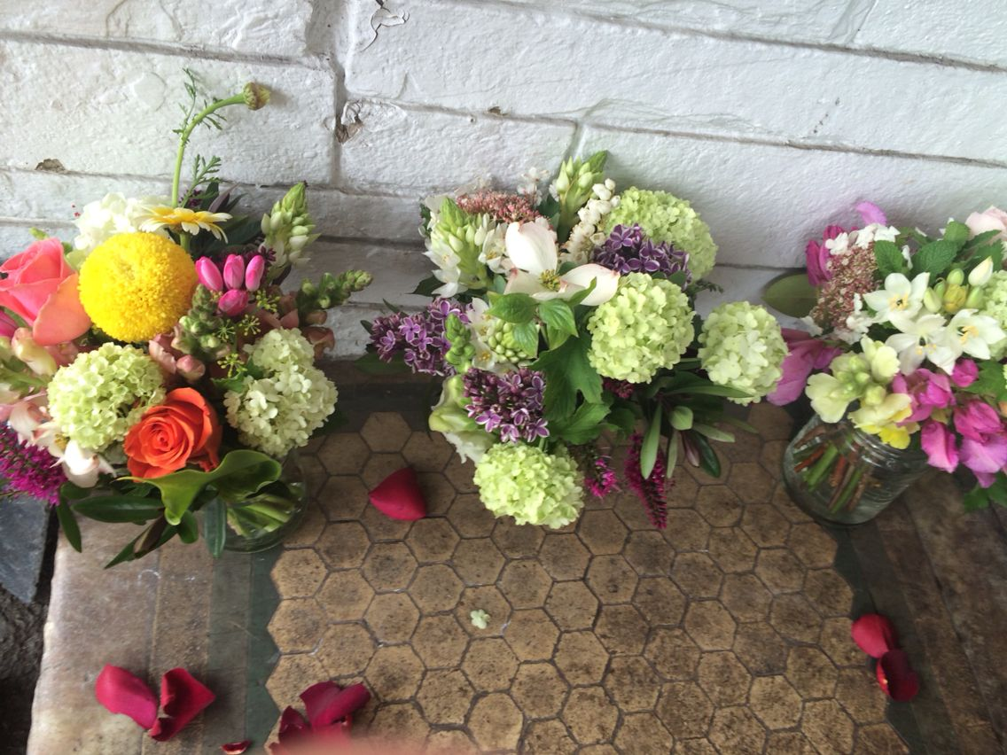 Different flowers for wedding tables
