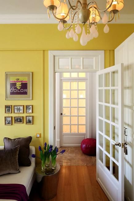 Bright Decorating Colors Turning Small Apartment into Romantic Oasis ...