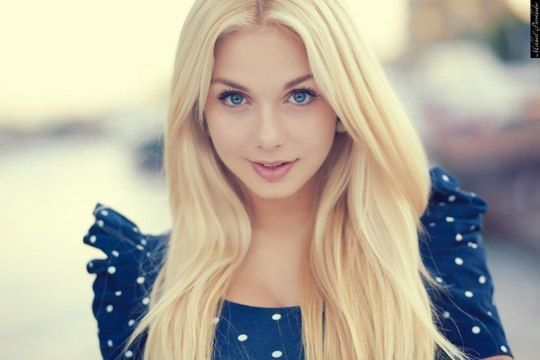Bright Blonde Hair And Electric Blue Eyed Girl Google Search