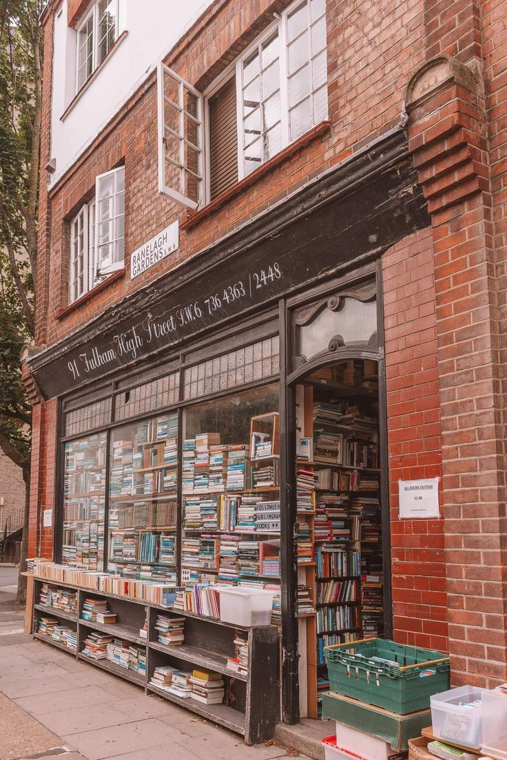 Hurlingham Books, Fulham. These are 15 of the most beautiful bookshops in London. London is home to some of the most beautiful bookshops in the world. These are all independent bookshops in London and they stock a variety of old and new, fiction and non-fiction etc. Perfect for bookworms in London! #whatshotblog #bookshopporn #bookstagram #bookshops #travelLondon