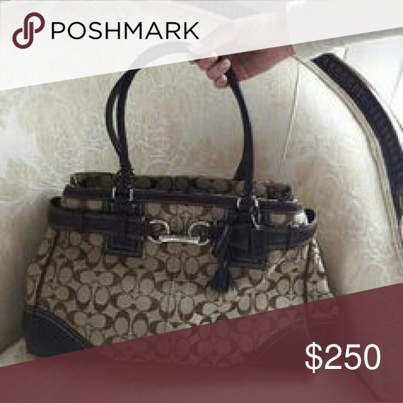 COACH    Hamptons Caryall Authentic COACH Signature Hamptons Carryall in Khaki/Brown. Leather in Perfect Condition! Gold Hardware. Open to trades! I have the dustbag!  Near perfect condition! Not a single blemish. LOWEST !!! Coach Bags Shoulder Bags