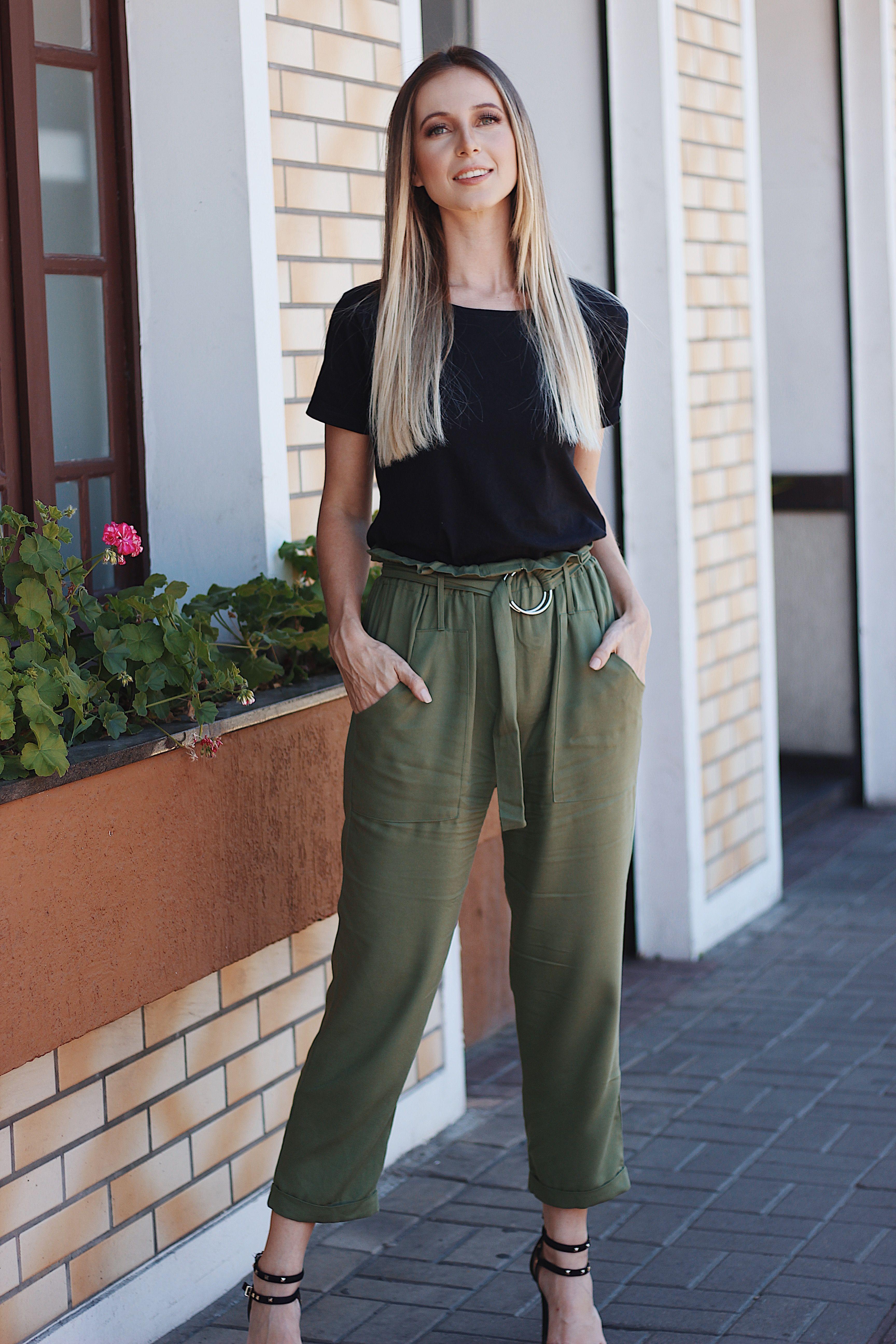 803202874 Calça Clochard Verde Militar + T-shirt Preta Looks Instagram  joicesarmento